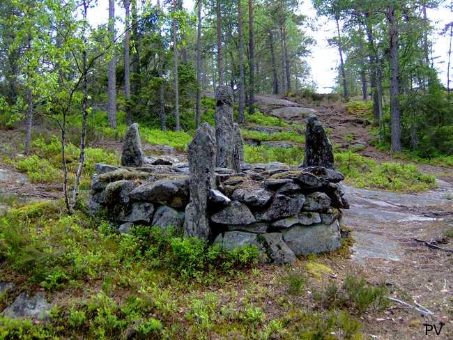 Ett gammalt gränsröse nära Tornbeget. Om du vill se fler foton från området, klicka på bilden.